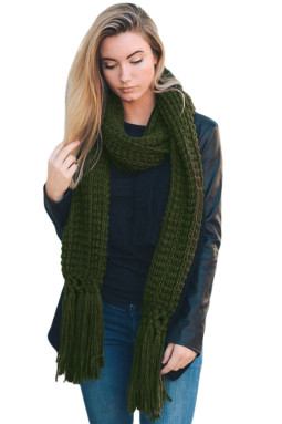 绿色舒适粗针织流苏围巾