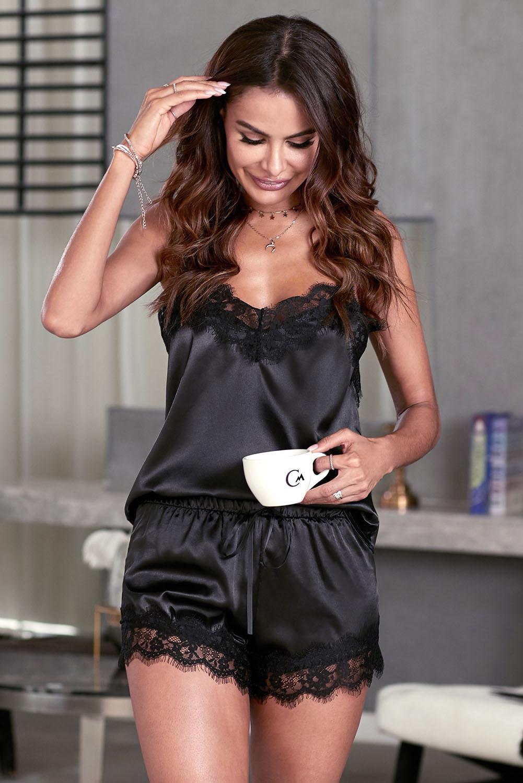 黑色蕾丝拼接缎面吊带上衣抽绳短裤睡衣套装 LC45013