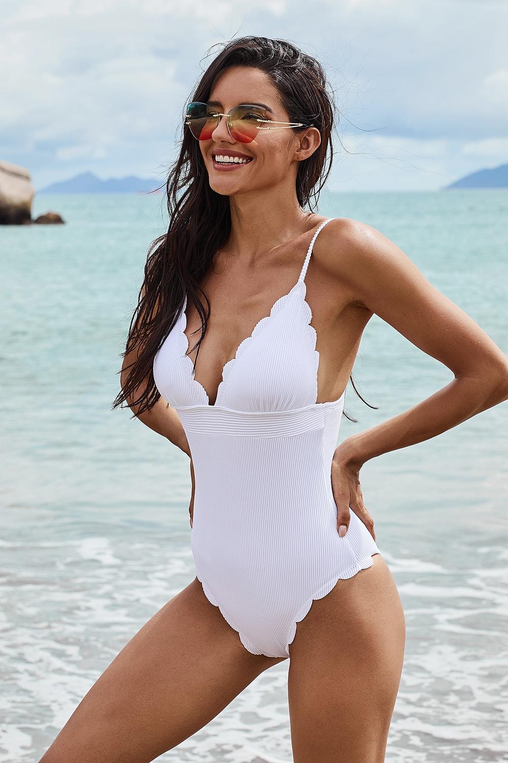 白色优雅V领细肩带波浪饰边连体泳衣 LC412257