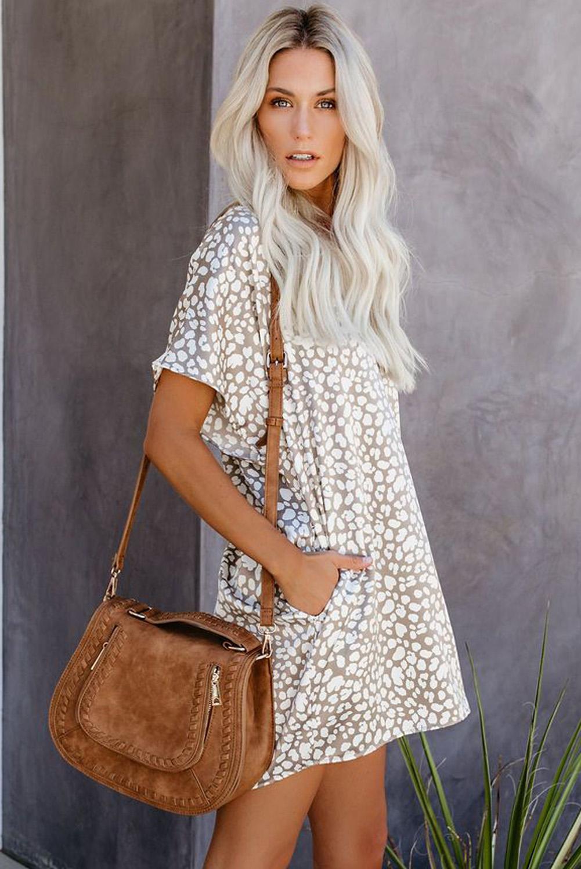 棕色V领半袖斑纹印花休闲带口袋T恤式连衣裙 LC22514