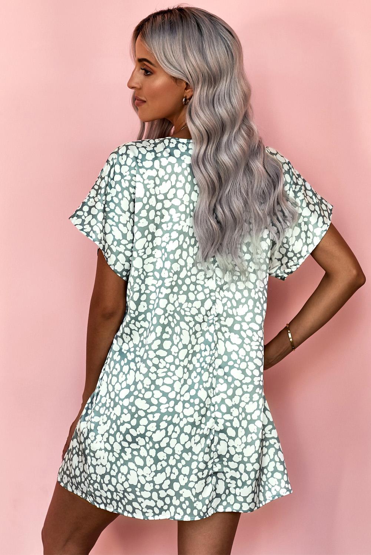灰绿色V领半袖斑纹印花休闲带口袋T恤式连衣裙 LC22514