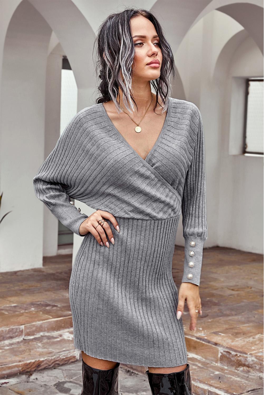 灰色包裹V领珍珠扣饰蝙蝠袖罗纹毛衣连衣裙 LC273002
