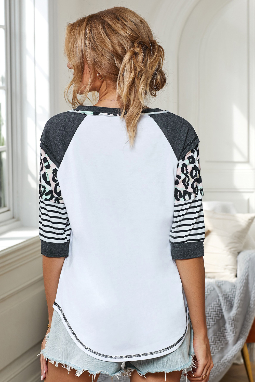 白色圆领印花条纹插肩长袖舒适休闲上衣 LC2521098