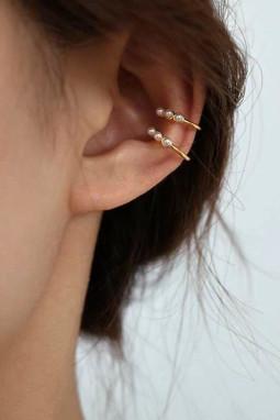 精美2个仿珍珠耳部装饰品