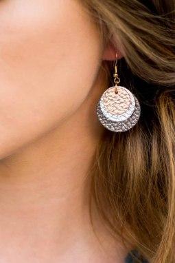 精美皮革三层耳环