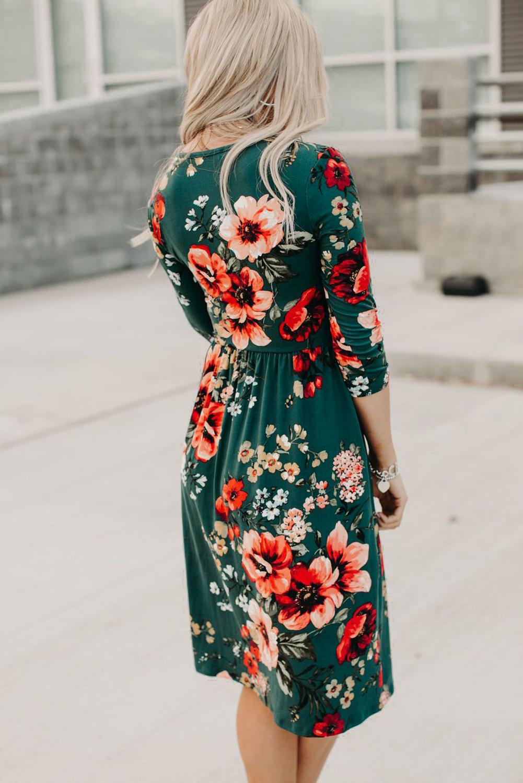 绿色优雅花卉3/4袖包裹V领中长连衣裙 LC612075