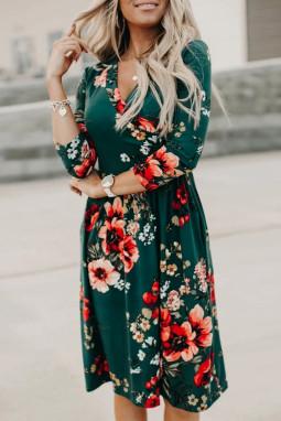 绿色优雅花卉3/4袖包裹V领中长连衣裙