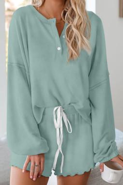绿色长袖套头衫和短裤休闲家居套装
