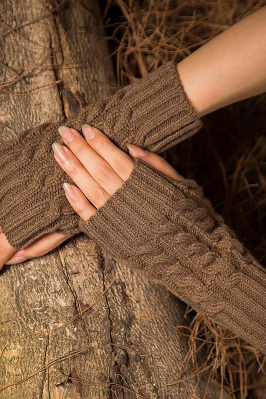 棕色针织漏指保暖手套 LC002003