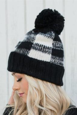 黑色格纹绒球针织毛线帽