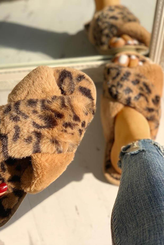 棕色绒毛豹纹交叉露趾拖鞋 LC12243