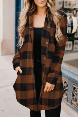 棕色时尚格纹排扣翻领衬衫外套
