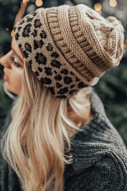 杏色针织豹纹毛线帽