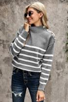 灰色条纹纽扣装饰保暖舒适高领毛衣