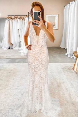 白色华丽优雅V领露背蕾丝婚纱拖地晚礼服
