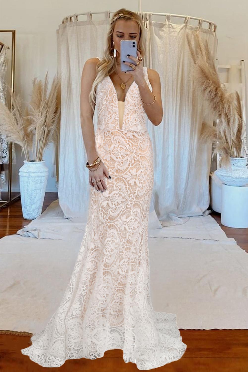 白色华丽优雅V领露背蕾丝婚纱拖地晚礼服 LC612108