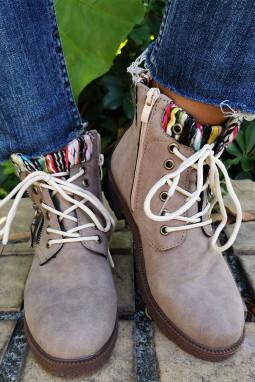 卡其色时尚系带短靴