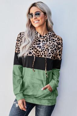 绿色豹纹拼色袋鼠口袋长袖连帽衫
