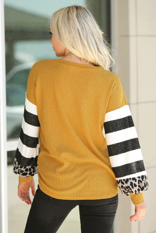 黄色V领灯笼袖豹纹条纹拼接长袖上衣 LC2511829