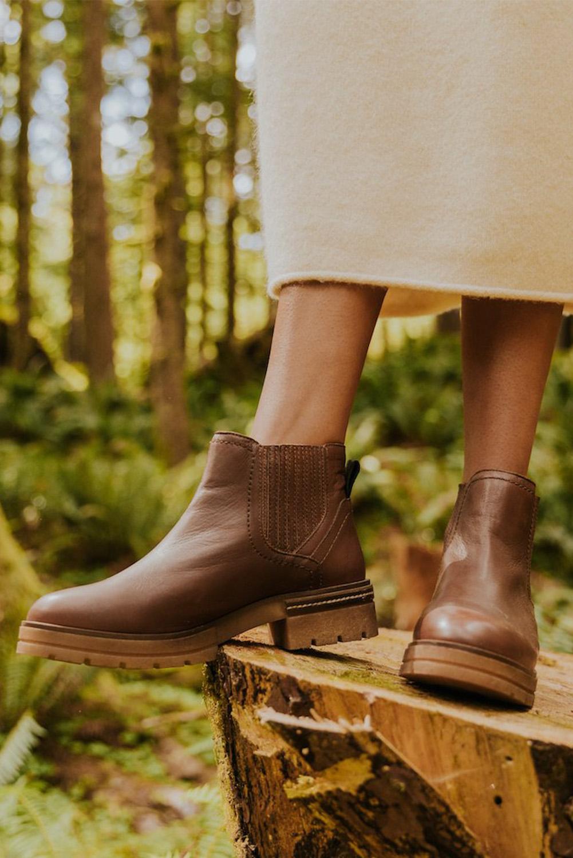 棕色人造皮革时尚复古短靴 LC12455