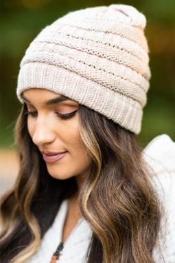 杏色针织毛线帽
