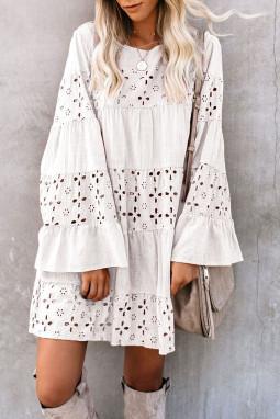 白色复古优雅O领喇叭袖镂空迷你连衣裙