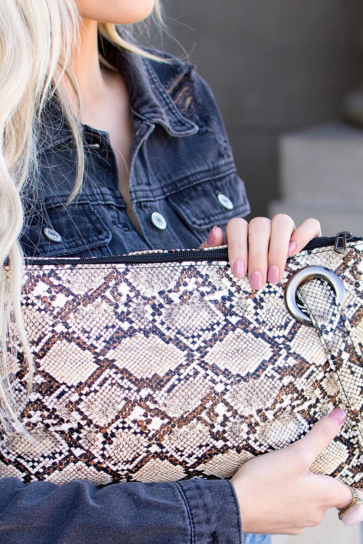 棕色蛇纹PU皮革手拿包 LC003099