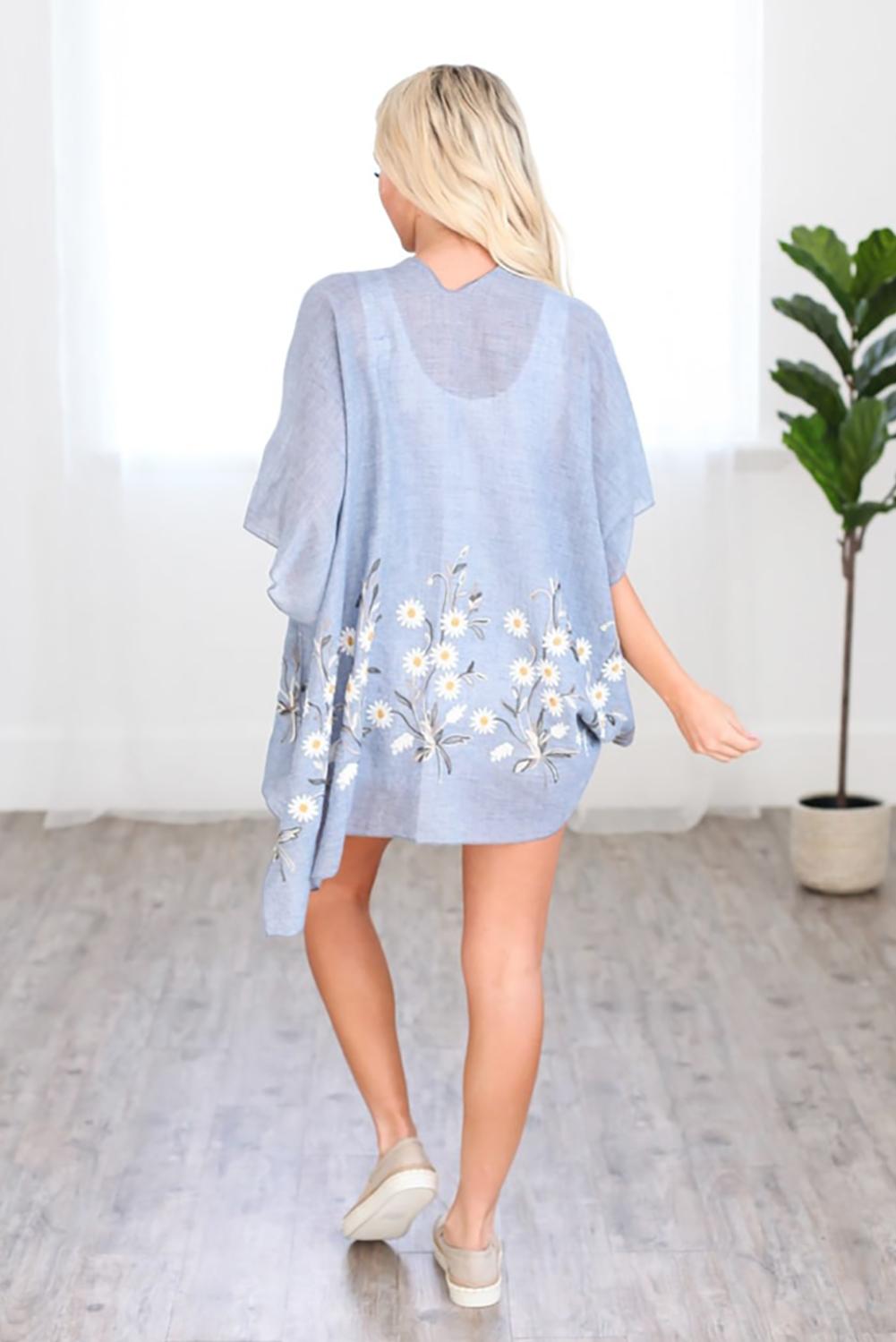 天蓝色可爱雏菊轻盈和服式罩衫 LC254253
