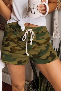 绿色迷彩抽绳休闲短裤