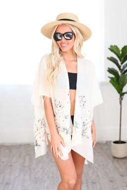 白色可爱雏菊轻盈和服式罩衫