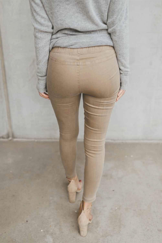卡其色时尚褶裥设计侧拉链修身休闲裤 LC77624