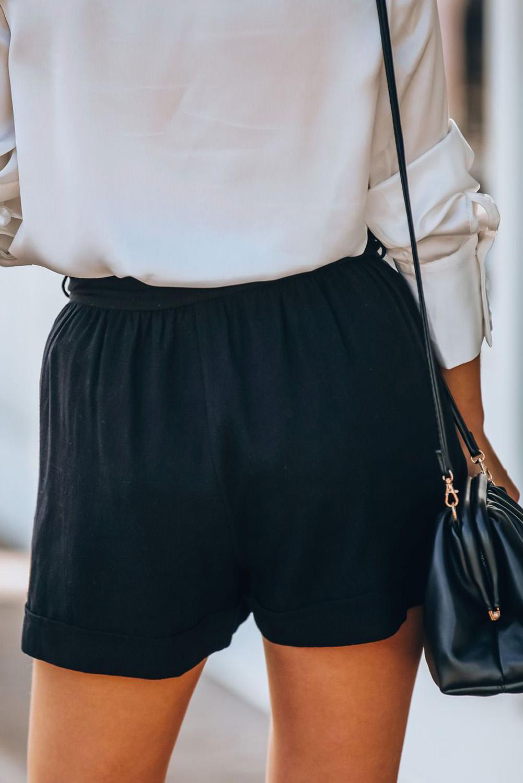 黑色宽松侧口袋时尚纸袋腰短裤 LC77958