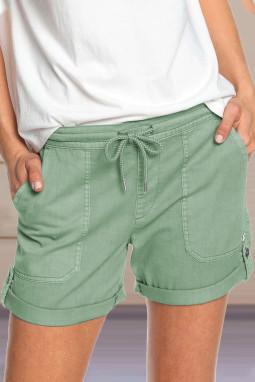 绿色休闲口袋翻边设计抽绳舒适短裤