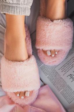 粉色露趾毛绒家居拖鞋