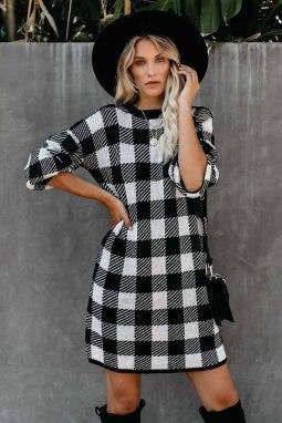 黑色方格花呢圆领气球袖直筒毛线连衣裙
