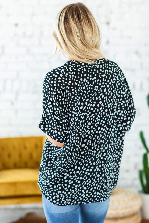 黑色流行动物斑点V领翻边袖宽松舒适上衣 LC2514137