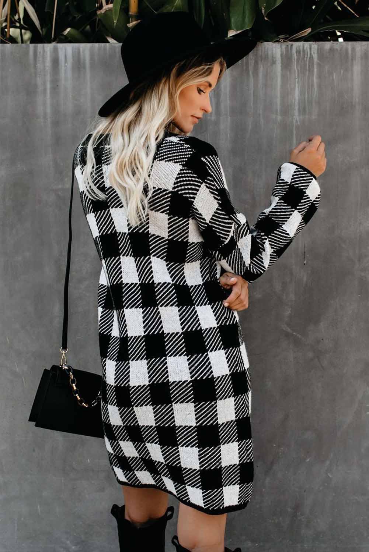 黑色方格花呢圆领气球袖直筒毛线连衣裙 LC222017