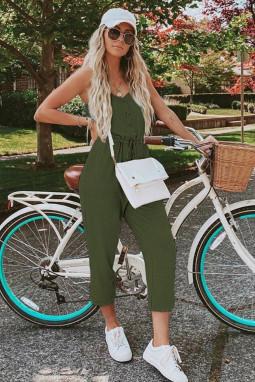 绿色时尚舒适纽扣装饰口袋吊带针织连衣裤