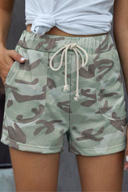 淡绿色迷彩抽绳休闲短裤