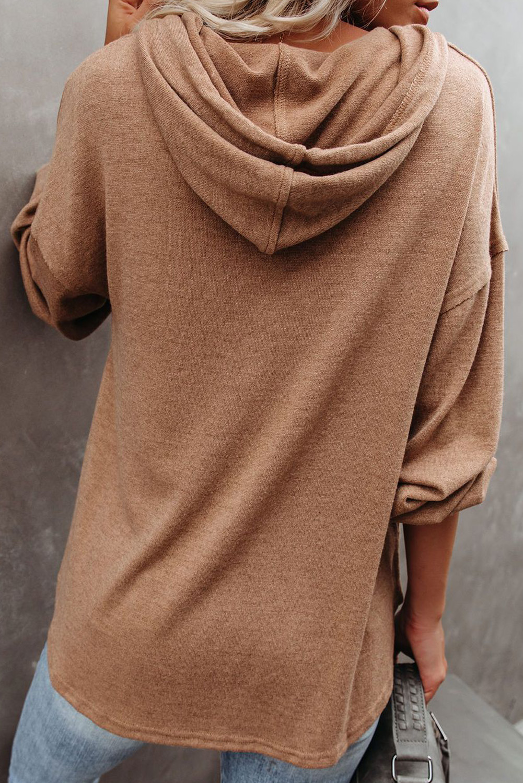 棕色长袖钮扣细节高低下摆宽松休闲抽绳连帽衫 LC2532714
