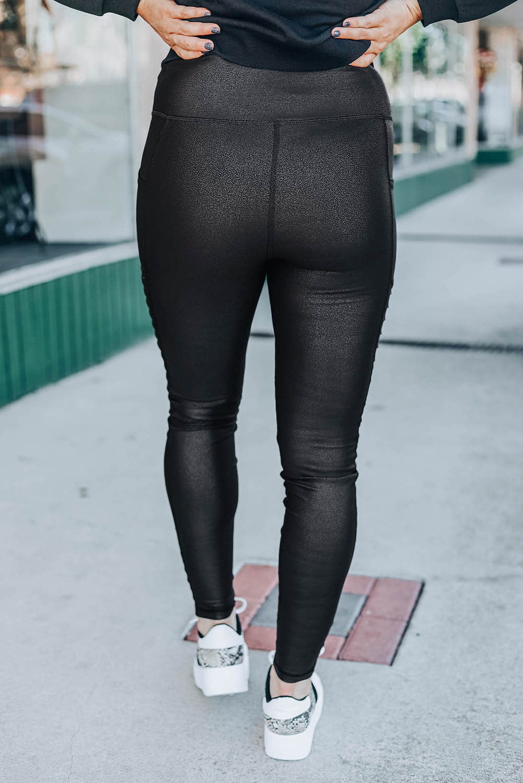 黑色修身皮质打底裤 LC76105