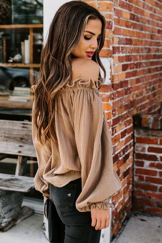 棕色荷叶边露肩一字领灯笼袖时尚女士上衣 LC2514105