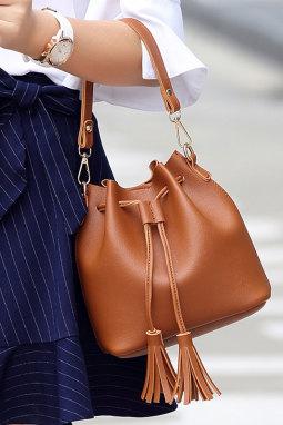 时尚便携流苏抽绳斜挎包
