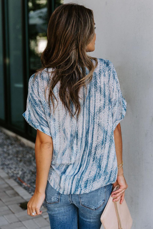 浅蓝色印花口袋V领短袖休闲女士衬衣 LC255511