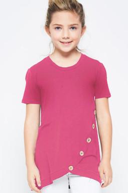 玫红色宽松可爱纽扣装饰小女孩舒适T恤衫