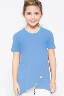 天蓝色宽松可爱纽扣装饰小女孩舒适T恤衫