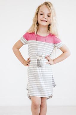 玫红拼色条纹圆领短袖舒适可爱小女孩连衣裙