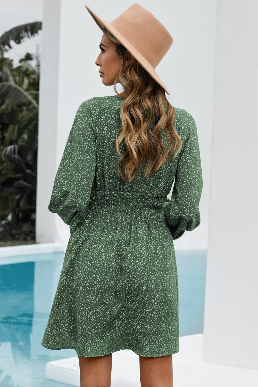 绿色V领气球袖高腰可爱迷你连衣裙 LC223091